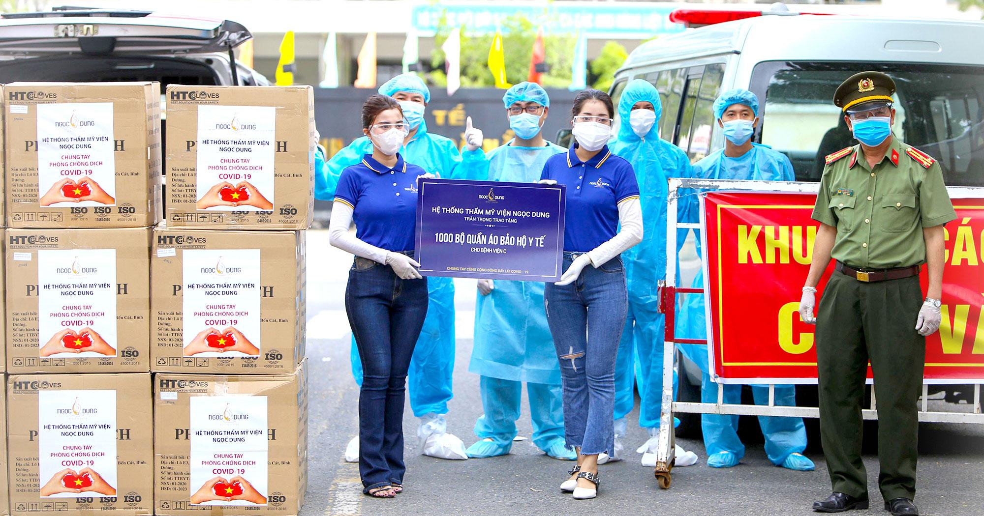 Tặng 7000 bộ đồ bảo hộ trong mùa covid